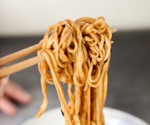 chinese food, asian food, and chow mein image