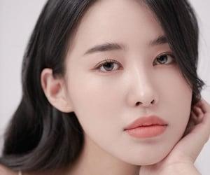 kang kyungwon, pristin, and kyungwon image