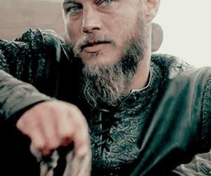 gif, ragnar lodbrok, and vikings image