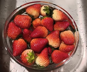 🍓 and 草莓、 image