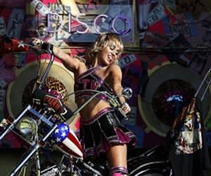 miley cyrus, superbowl, and cherleader image