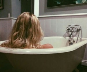 aesthetic, blonde, and bath image