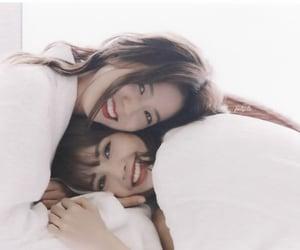 bp, lisa, and jisoo kim image