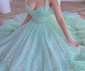 dress, fashion, and verde image
