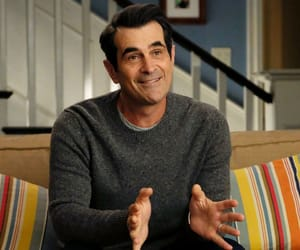modern family, phil dunphy, and ty burrell image