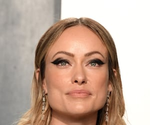 Olivia Wilde and vanity fair oscar party image