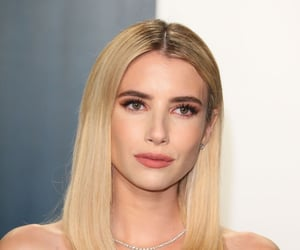 emma roberts and vanity fair oscar party image