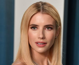 vanity fair oscar party and emma roberts image