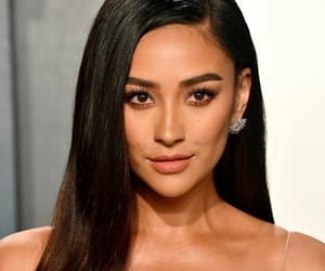 you, shay mitchell, and pretty little liars image