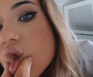 brunette, pretty, and marianna rozmajzl image
