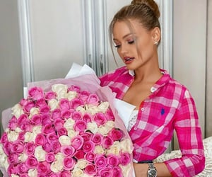 pink roses and valentines day image