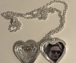 necklace and robert pattinson image