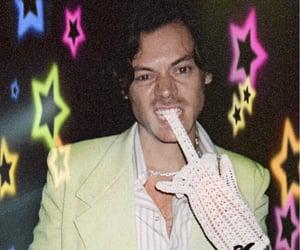 Harry Styles, harry styles lockscreen, and harry styles edit image