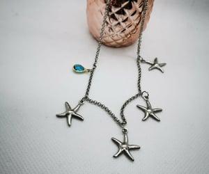colar, estrela do mar, and azúl image
