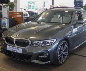 bmw 320d engines and bmw 320d saloon image