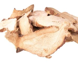 organic ginger slices and ginger dried whole image