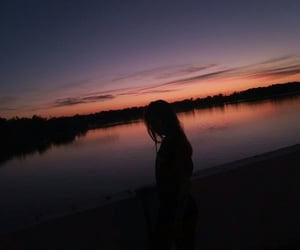 aesthetic, girl, and lakeside image