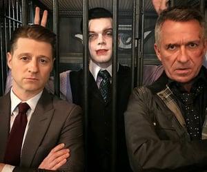 ben mckenzie, gotham cast, and sean pertwee image