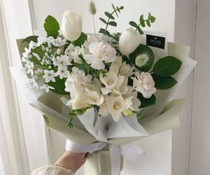 Kala, white roses, and lily image