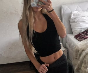 perfect body, black outfit, and abs girl image
