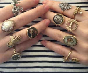 rings and vintage image