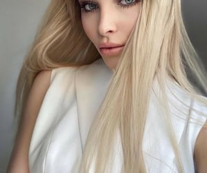 hair, model, and rusia image