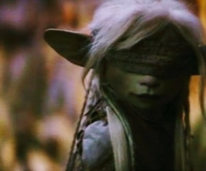 the dark crystal, age of resistance, and deet image