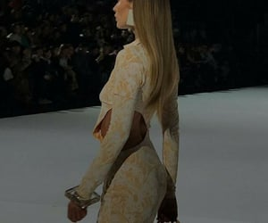 body, Couture, and Doutzen Kroes image