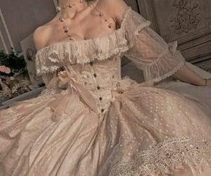 daydream, princess, and maladaptive daydreaming image