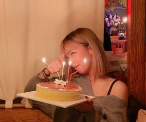 aesthetic, bday, and cake image