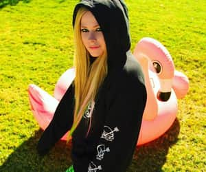 Avril Lavigne, belleza, and rock image