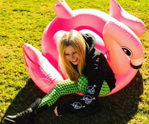 Avril Lavigne, famosos, and musica image