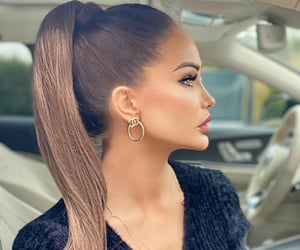 ponytail image