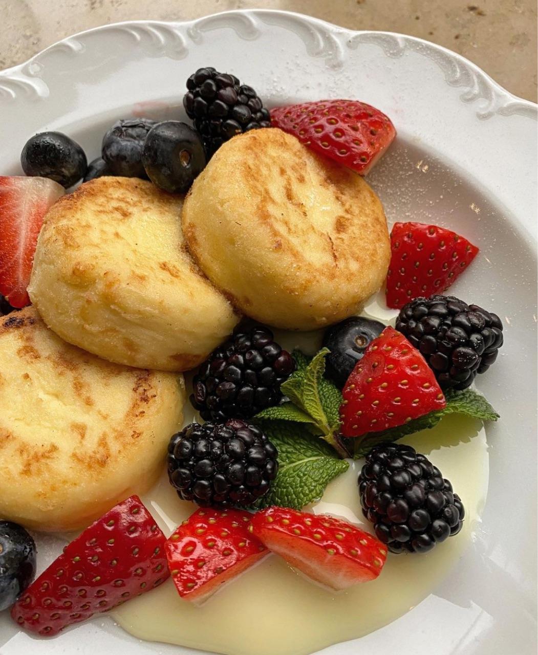 aesthetic, berries, and blackberries image