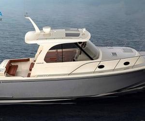 boat trip dubai and fishing boats in dubai image