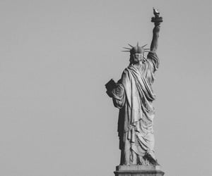 statue of liberty and new york image
