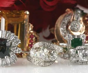 antique jewelry, estate jewelry, and jewelry buyers image