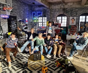 mtv and bts image