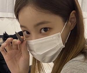 yeonwoo, momoland, and kpop image