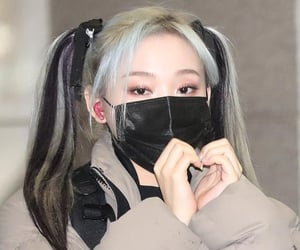 kpop, gahyeon, and dreamcatcher image
