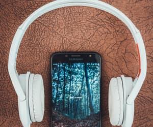 headphones, music, and phone image