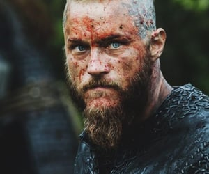 king, travis fimmel, and knight image