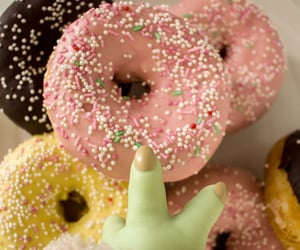 donuts, ciambelle, and grogu image