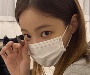 mask, girlgroup, and yeonwoo image