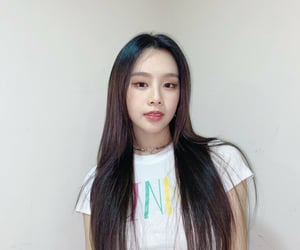 idol, JYP, and sixteen image