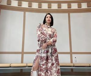 asia, singer, and hwasa image