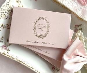laduree, paris, and pearls image