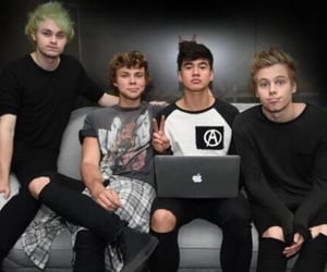 throwbacks, 5sos, and michael clifford image