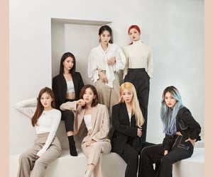 k-pop, binnie, and yooa image