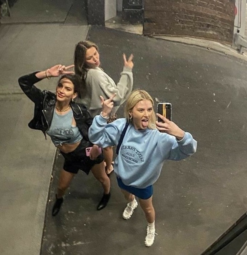 girls, friendship, and inspo image